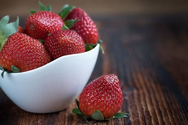 Strawberry Morning Smoothie. Smoothie For Energy. The Best Way To Smoothies: Quick Guidelines For Home Smoothies. #greensmoothie
